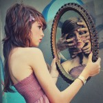chica del espejo