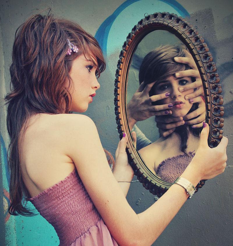Chica del espejo creepypastas for El rincon del espejo
